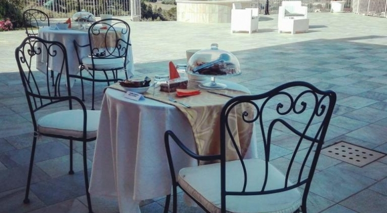 TurismoInCilento.it - B&B,Casevacanze,Hotel - Villa Marchesa Agriturismo - breakfast in terrazza