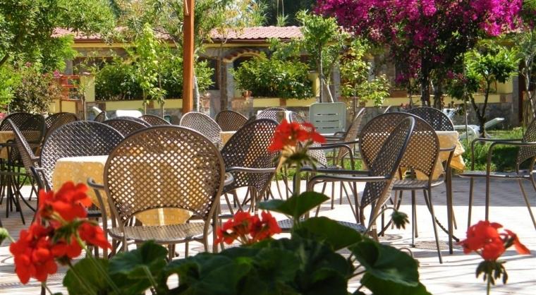TurismoInCilento.it - B&B,Casevacanze,Hotel - Hotel Villaggio Tabù - piazzetta