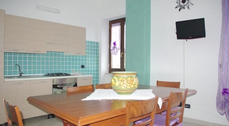 TurismoInCilento.it - B&B,Casevacanze,Hotel - Casa Vacanza Annina - 3603 CASAVACANZA ANNINA AGROPOLI CUCINA 02
