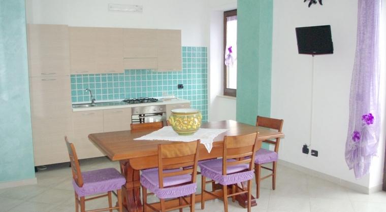 TurismoInCilento.it - B&B,Casevacanze,Hotel - Casa Vacanza Annina - 3603 CASAVACANZA ANNINA AGROPOLI CUCINA