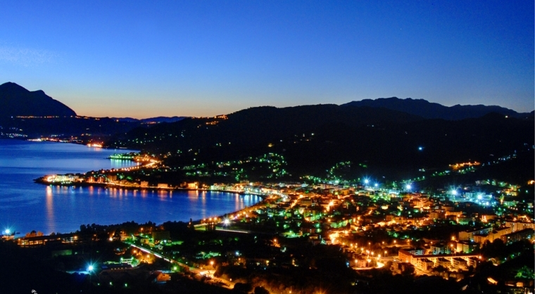 TurismoInCilento.it - B&B,Casevacanze,Hotel - ELAYON CLUB RESIDENCE - Sapri di notte