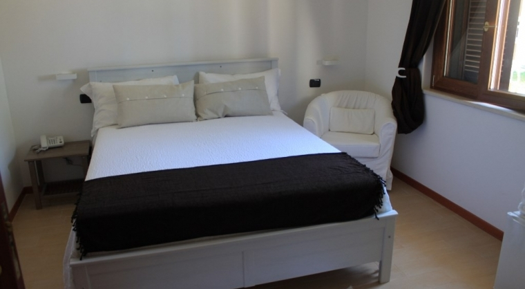 TurismoInCilento.it - B&B,Casevacanze,Hotel - Residenza Lombardi - 5203 residenza lombardi ascea camera scirocco.JPG