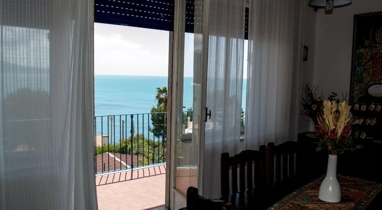 TurismoInCilento.it - B&B,Casevacanze,Hotel - Villa Edwige - 5204 Casa per Vacanze Ogliastro Marina Santa Maria di Castellabate Villa Edwige 05