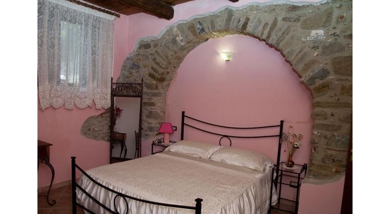 TurismoInCilento.it - B&B,Casevacanze,Hotel - Agriturismo Casalvelino - La Voce del Mare - 5208 AGRITURISMO CASALVELINO CILENTO voce del mare camere 01 614x467