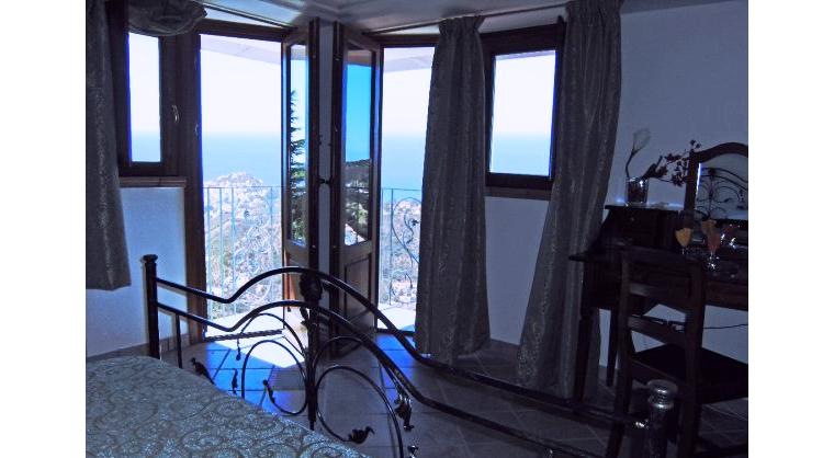 TurismoInCilento.it - B&B,Casevacanze,Hotel - La Civetta - 5254 la civetta agropoli BB La Civetta CameraCapriPanoramica