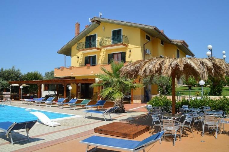 TurismoInCilento.it - B&B,Casevacanze,Hotel - Agriturismo la Collinetta - 5357 La collinetta giorno
