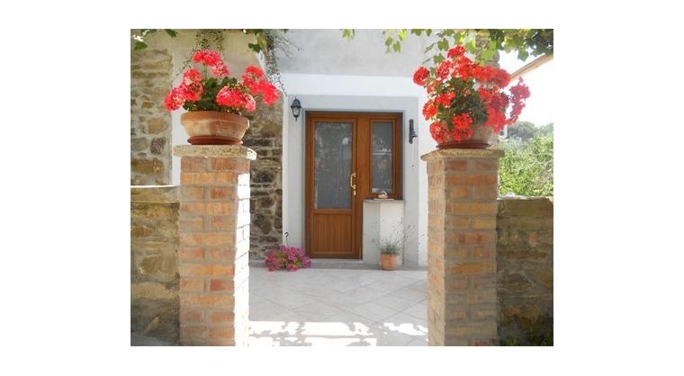 TurismoInCilento.it - B&B,Casevacanze,Hotel - Il Giardino Segreto - 5735 il giardino segreto ogliastro cilento esterno4