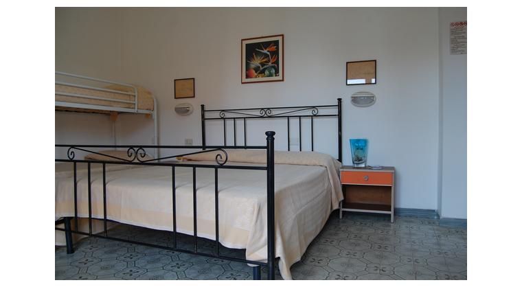 TurismoInCilento.it - B&B,Casevacanze,Hotel - Hotel Bolivar - 5740 Hotel Camerota cilento Bolivarcamera deluxe castello