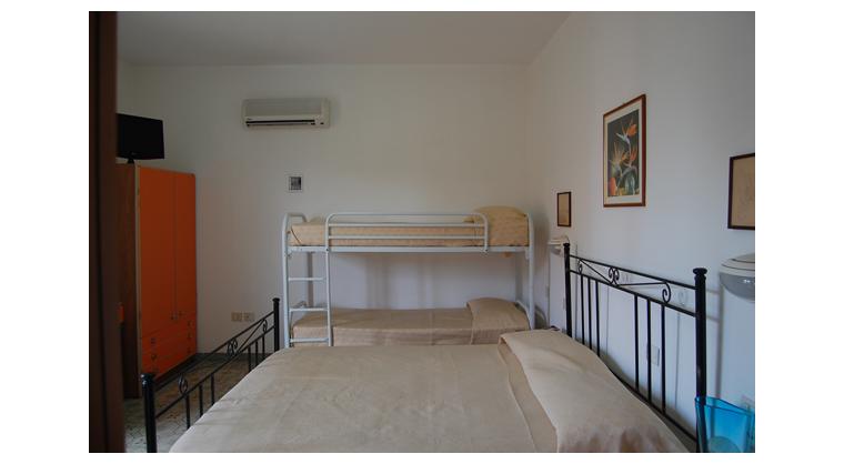 TurismoInCilento.it - B&B,Casevacanze,Hotel - Hotel Bolivar - 5740 Hotel Camerota cilento Bolivarcamera deluxe particolare
