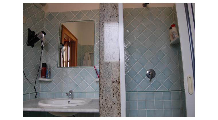 TurismoInCilento.it - B&B,Casevacanze,Hotel - Hotel Bolivar - 5740 Hotel Camerota cilento Bolivarparticolare bagno camera deluxe
