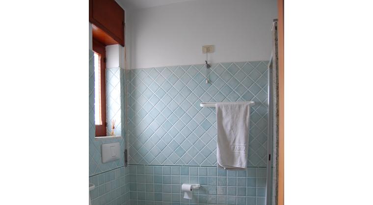 TurismoInCilento.it - B&B,Casevacanze,Hotel - Hotel Bolivar - 5740 Hotel Camerota cilento Bolivarparticolare bagno superior