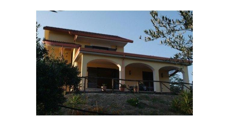TurismoInCilento.it - B&B,Casevacanze,Hotel - Villa Uliveto - 5745 d3b93 APPARTAMENTO PER VACANZE CILENTO CASALVELINO VILLA ULIVETO 01