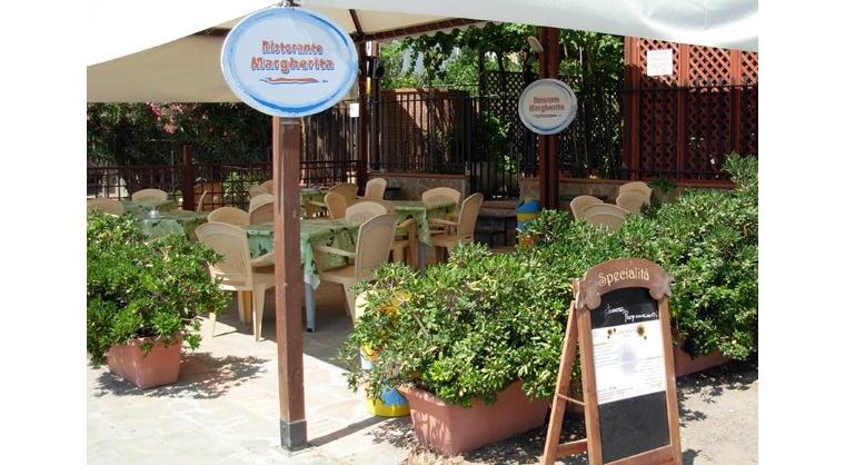 TurismoInCilento.it - B&B,Casevacanze,Hotel - Albergo Margherita - 5874 albergo margherita pollica pioppi Entrata Gazebo