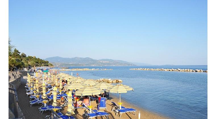 TurismoInCilento.it - B&B,Casevacanze,Hotel - Albergo Margherita - 5874 albergo margherita pollica pioppi Spiaggia 700px