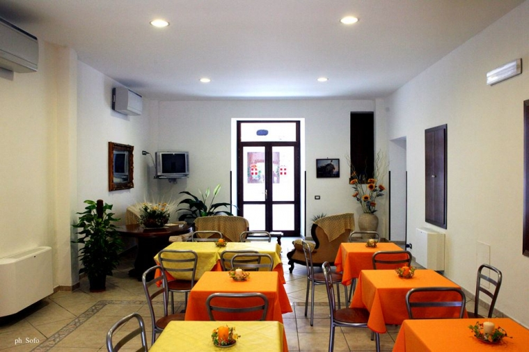 TurismoInCilento.it - B&B,Casevacanze,Hotel - Hotel Savoia - 6165 hotel savoia sapri sala02