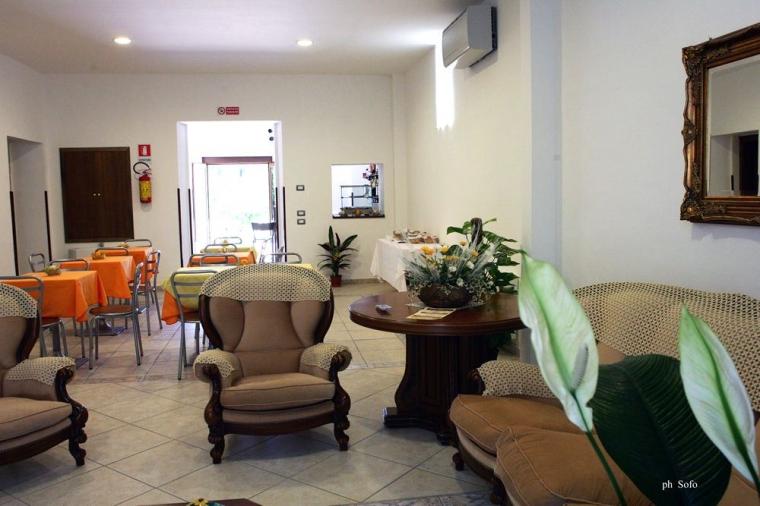 TurismoInCilento.it - B&B,Casevacanze,Hotel - Hotel Savoia - 6165 hotel savoia sapri sala03