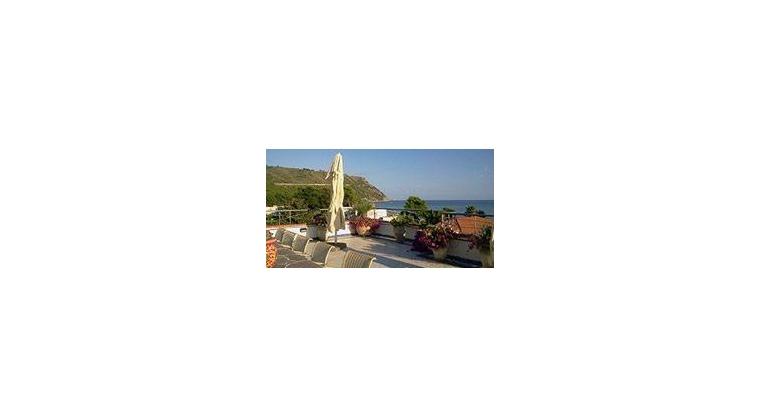 TurismoInCilento.it - B&B,Casevacanze,Hotel - Villa Giò - 7373 b9d19 BED AND BREAKFAST DI CHARME OGLIASTRO MARINA CASTELLABATE VILLA GI   04