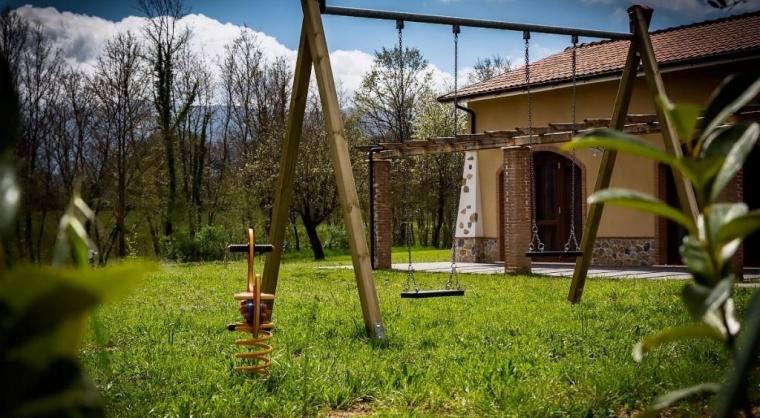 TurismoInCilento.it - B&B,Casevacanze,Hotel - Agriturismo La Dolce Mela - Giochi - Giardino
