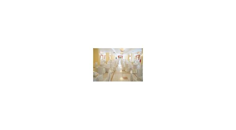 TurismoInCilento.it - B&B,Casevacanze,Hotel - ELIA HOTEL  - L'immensa sala che ospita oltre 400 commensali.