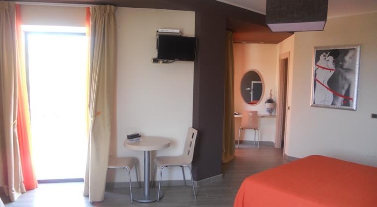TurismoInCilento.it - B&B,Casevacanze,Hotel - Villaggio Turistico Bungalow parco pisacane - camere superior