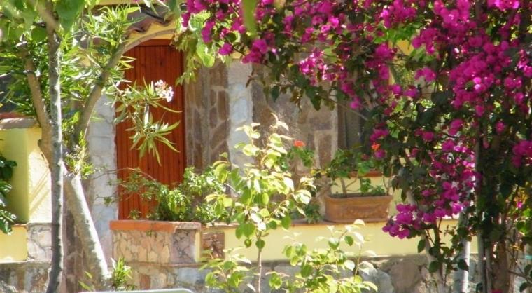 TurismoInCilento.it - B&B,Casevacanze,Hotel - Hotel Villaggio Tabù - ingresso villino