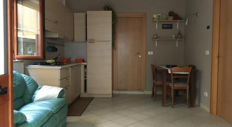 TurismoInCilento.it - B&B,Casevacanze,Hotel - Casa Vacanze Agropoli (zona centrale / porto) - Sala con angolo cottura
