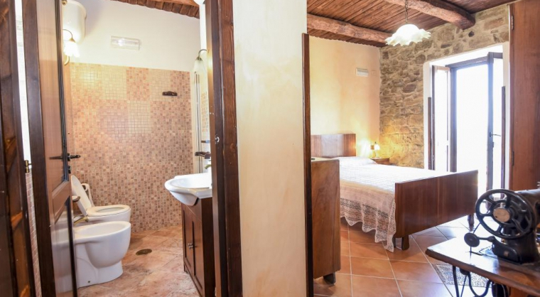 TurismoInCilento.it - B&B,Casevacanze,Hotel - Casale San Martino - camera speriore