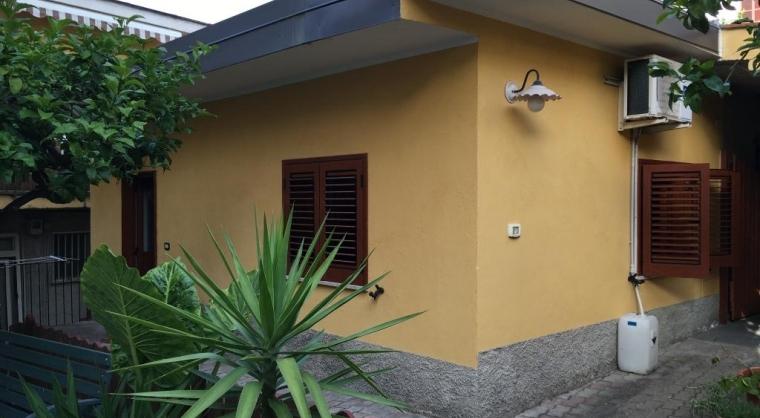 TurismoInCilento.it - B&B,Casevacanze,Hotel - Casa Vacanze Agropoli (zona centrale / porto) - Entrata 2