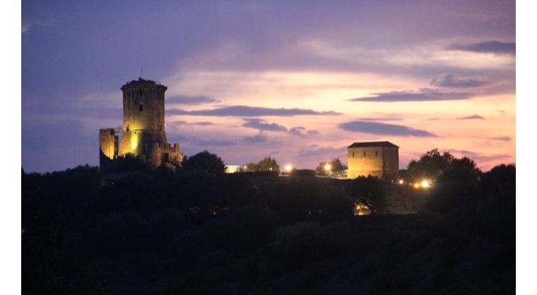 TurismoInCilento.it - B&B,Casevacanze,Hotel - Le Terme di Velia - Torre di Velia di notte