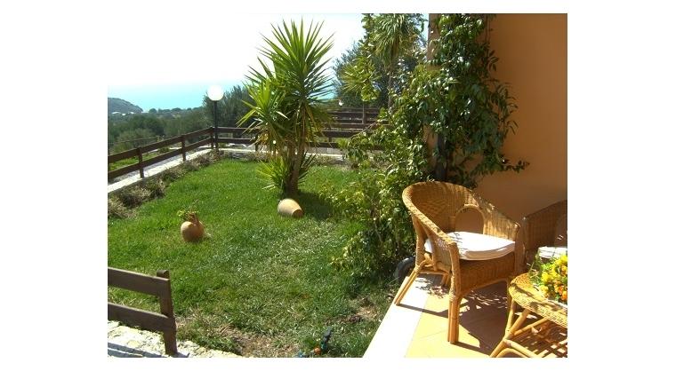 TurismoInCilento.it - B&B,Casevacanze,Hotel - Baia della Luna - Giardino appartamento