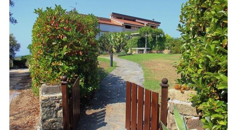 TurismoInCilento.it - B&B,Casevacanze,Hotel - Le Terme di Velia - Ingresso Villa Alberta Giardino