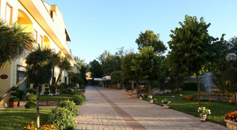 TurismoInCilento.it - B&B,Casevacanze,Hotel - ELIA HOTEL  - Ampio giardino di oltre 10000 mq